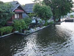 ชุมชนริมน้ำแยกบางขุนนนท์